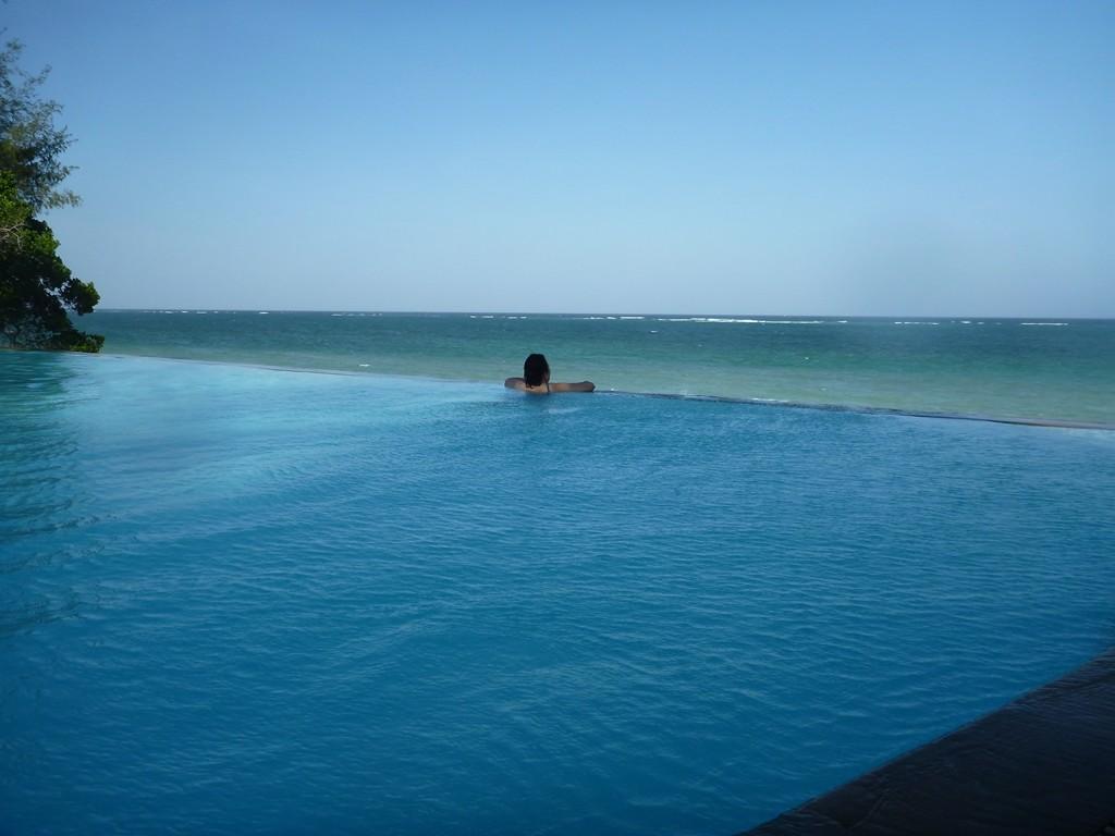 pool-ocean